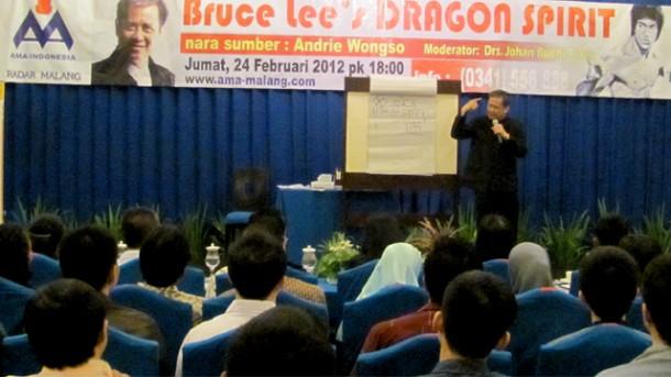 Andrie Wongso Mengulas 8 Kunci Sukses Bruce Lee